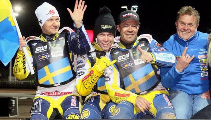 На фото: Сборная Швеции по спидвею